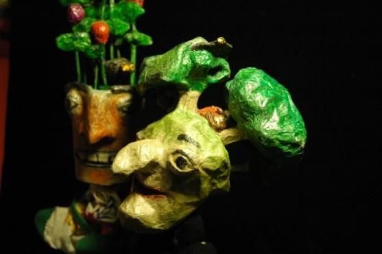 La sorcière des Bois et des Rivières se marie (Marionnettes du marché)